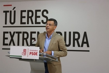 El PSOE confía en que los presidentes de Renfe y Adif traigan