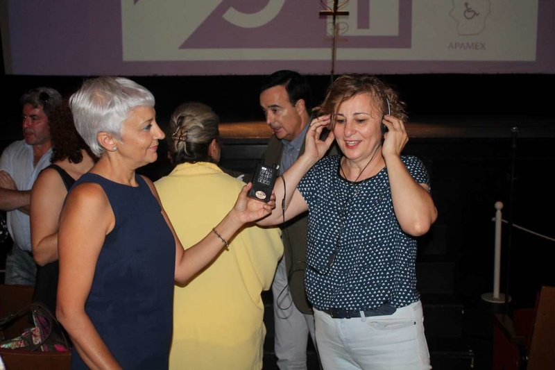Los dos teatros más grandes de Extremadura disponen ya de bucle magnético para personas con discapacidad auditiva