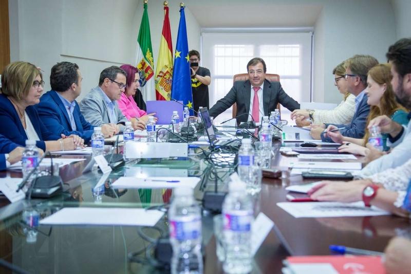 El Pacto por el Ferrocarril convoca una concentración el 18 de noviembre en Madrid para pedir un tren digno para Extremadura