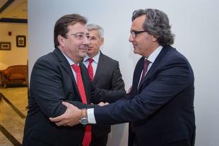 Fernández Vara aboga por un modelo energético basado en la eficacia y eficiencia de los recursos y que permita el sostenimiento del planeta