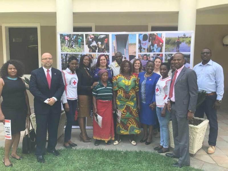 La consejera de Medio Ambiente visita las regiones agrícolas afectadas por el cambio climático