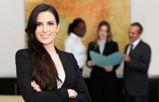 Las mujeres representan el 34,28% de los autónomos de Extremadura, según Informa D&B