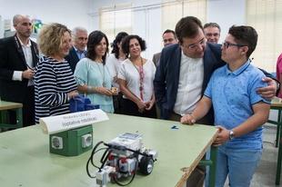 El presidente de la Junta anima a la comunidad educativa a impulsar la innovación y situarla en el centro de los objetivos a conseguir