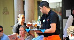 El empleo en el sector turístico sube un 2,8% este verano en Extremadura, hasta alcazar los 25.700 ocupados