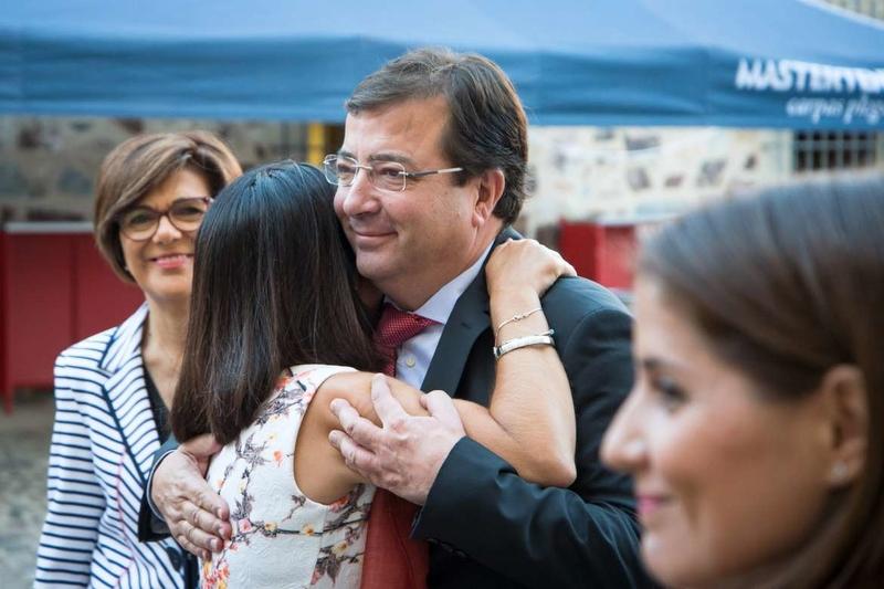 Fernández Vara pide no caer en la autocomplacencia en un país que convive con la violencia de género