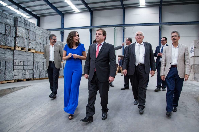 Fernández Vara reivindica una política al servicio de los ciudadanos y no los ciudadanos al servicio de la política