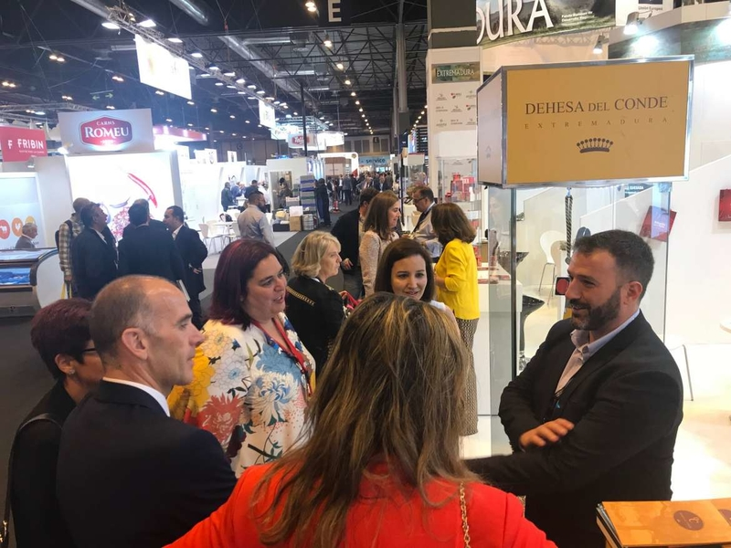 La consejera de Medio Ambiente y Rural, Políticas Agrarias asiste a la IX edición de la Fruit Attraction y la primera de Meat Attraction