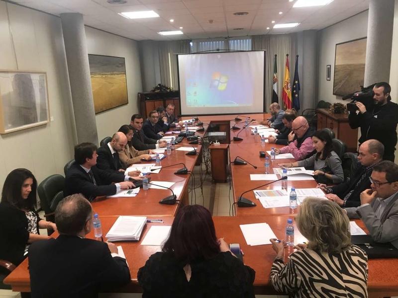 La Comisión Técnica de Seguimiento de los Proyectos de Infraestructuras Ferroviarias se reúne en Mérida