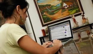 El 79,4 por ciento de hogares extremeños dispone de acceso a Internet en 2017, por debajo de la media nacional