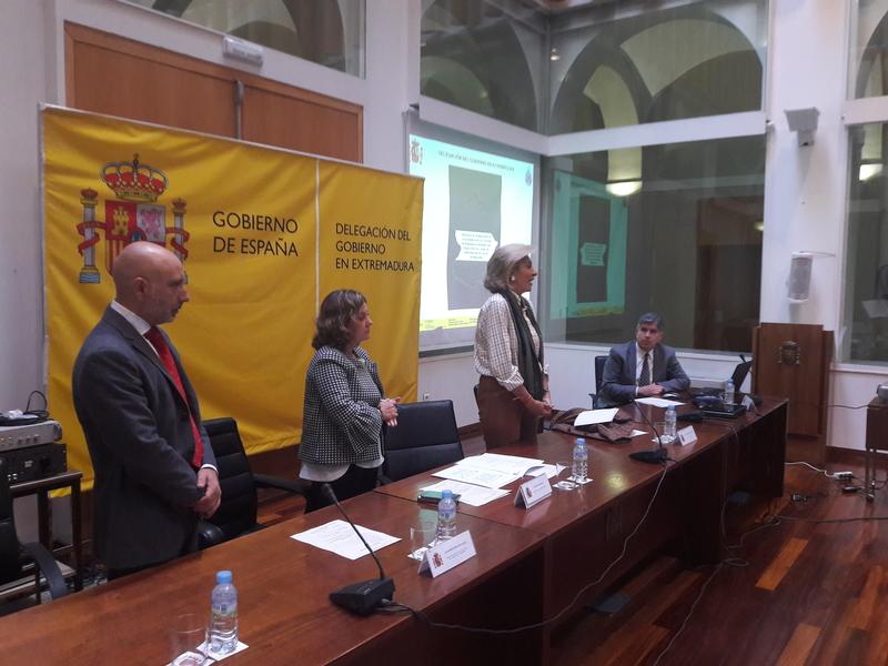 La delegada destaca que Extremadura está preparada para garantizar la seguridad en las carreteras si se producen fenómenos meteorológicos extremos