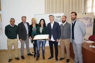 Esther Gutiérrez presenta el nuevo centro educativo de Infantil y Primaria, donde la Junta de Extremadura invertirá casi 4 millones