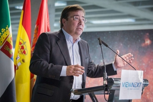 Fernández Vara asevera que la transformación tecnológica debe ir en paralelo a la transformación del capital humano