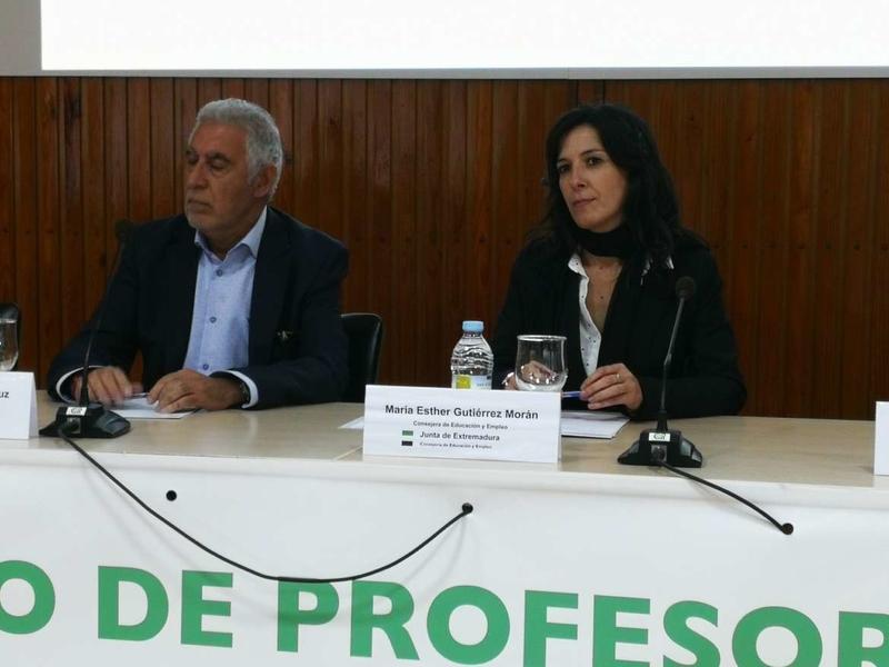 Gutiérrez anima a los centros a sumarse al programa de Mejora de Capacidades Profesionales Docentes para avanzar en la mejora del sistema educativo