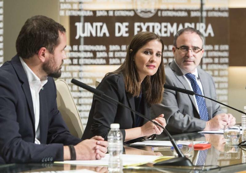 La portavoz de la Junta anima a participar los días 2 y 3 de diciembre en la IX edición del Festival de las Grullas en Navalvillar de Pela
