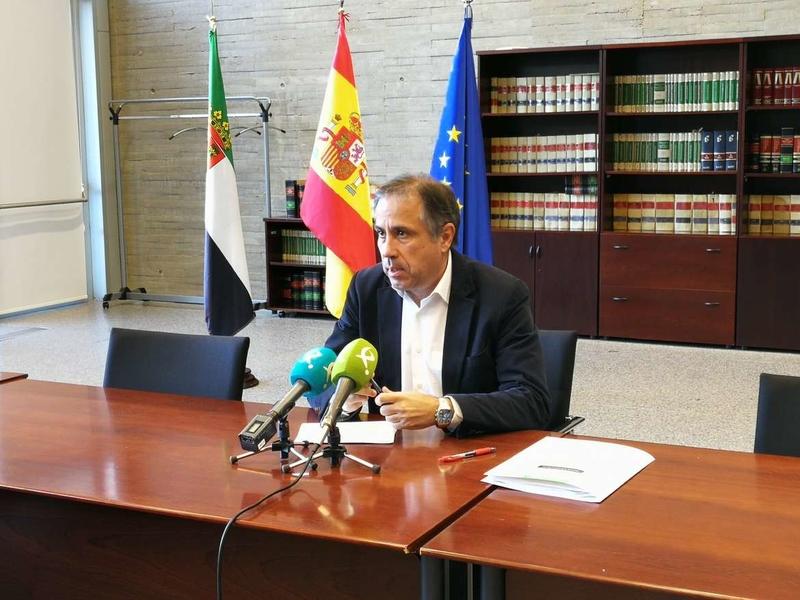 El director gerente del SEXPE asegura que el desempleo desciende en la región por las políticas de empleo de la Junta