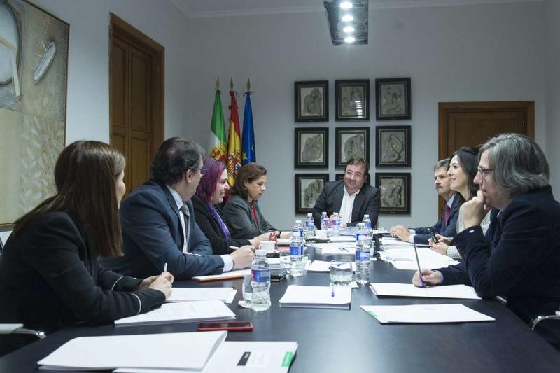 El Consejo de Gobierno aprueba un decreto para fomentar los planes de apoyo a la internacionalización de las empresas extremeñas