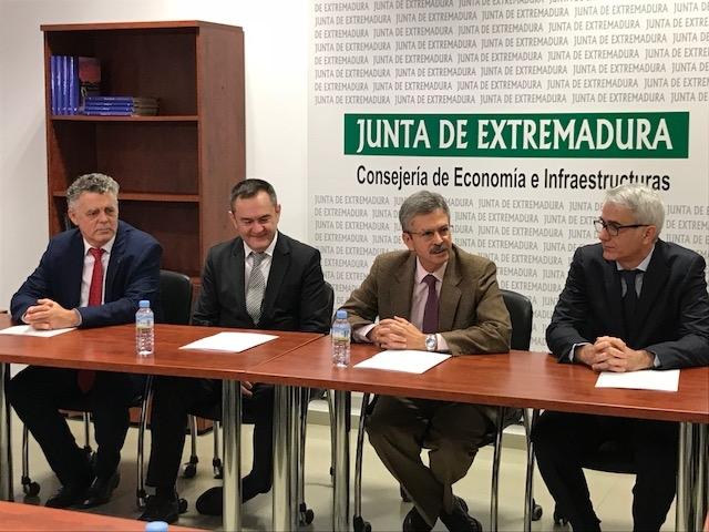 La Junta de Extremadura firma un convenio con Red.es para impulsar la impresión 3D en el sector sanitario
