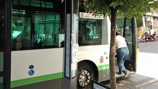 Los usuarios del autobús urbano suben un 1,3% en noviembre en Extremadura, hasta los 1,06 millones