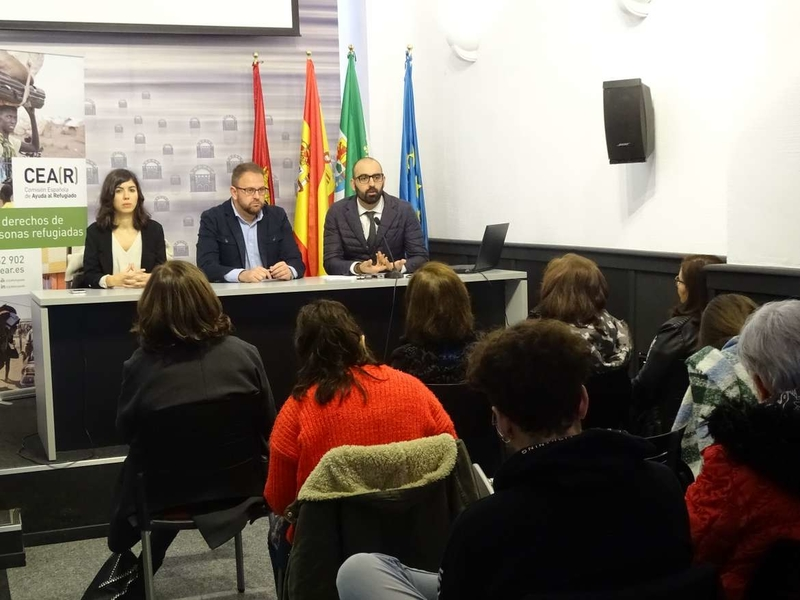 Angel Calle cree que es fundamental que Extremadura cuente con el Observatorio Internacional de Asilo, Refugio y Fronteras de CEAR
