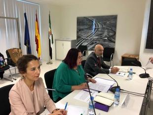Begoña García avanza que se ampliarán y reforzarán los cursos de formación de la Academia de Seguridad Pública de Extremadura