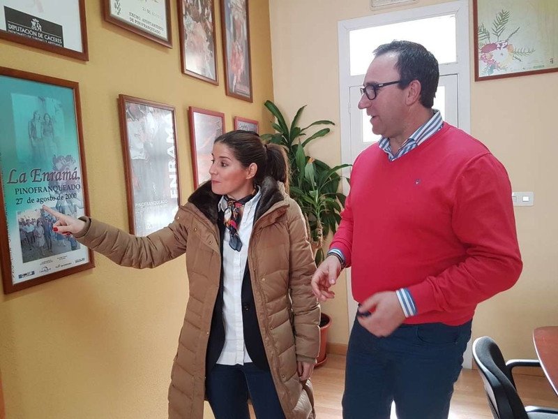 Gil Rosiña destaca la importancia de poner rostro a la política y a los problemas