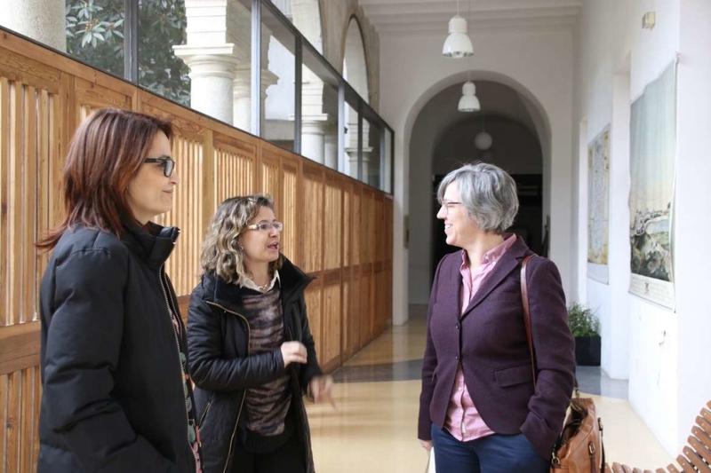 La consejera de Cultura e Igualdad anuncia medidas para posibilitar la recuperación de la Biblioteca de Yuste