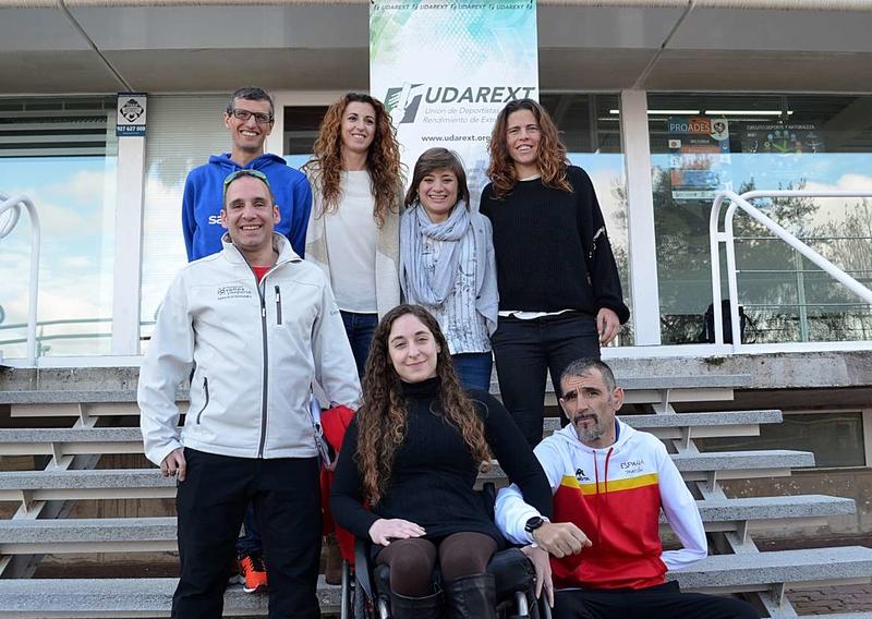 La directora general de Deportes apoya a los deportistas extremeños en la presentación de UDAREX