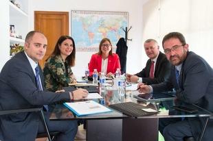 Extremadura y Costa Rica plasman su compromiso de colaboración con la convocatoria de dos becas de estudios universitarios