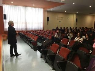 Leire Iglesias se reúne con técnicos y técnicas de la Red de Oficinas de Igualdad y Violencia de Género