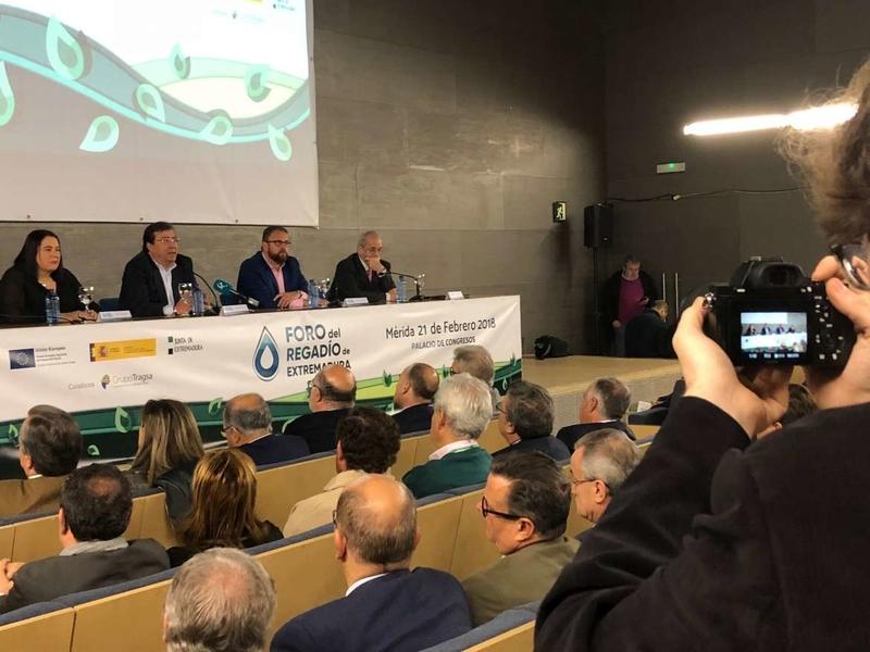 Begoña García resalta la mejora que supondrá el regadío para la comarca de Tierra de Barros