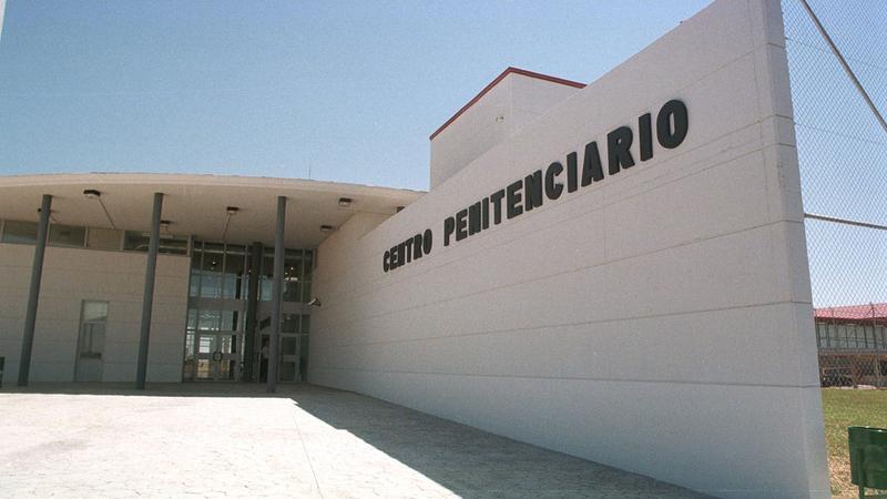 Los centros penitenciarios de Cáceres y Badajoz tienen unas ''deficiencias de plantilla'' del 21 y el 9%, según CSIF