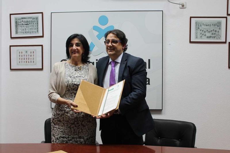 La Junta y el Colegio de Enfermería de Cáceres firman un convenio para la sostenibilidad de la Sanidad pública