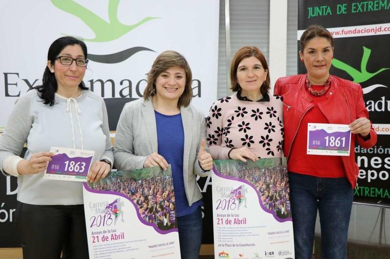 La directora general de Deportes y la directora del IMEX presentan la Carrera de la Mujer
