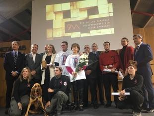 La Asamblea recibe el galardón a la Mejor Acción Institucional de los Premios por las personas desaparecidas
