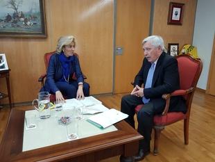 La delegada del Gobierno anuncia nuevas actuaciones para la contención y extracción del camalote por casi 8 millones de euros
