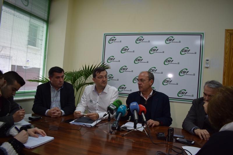 Monago pide a Vara que los empleados públicos autonómicos se beneficien de la recuperación de derechos firmada por el Gobierno y los sindicatos