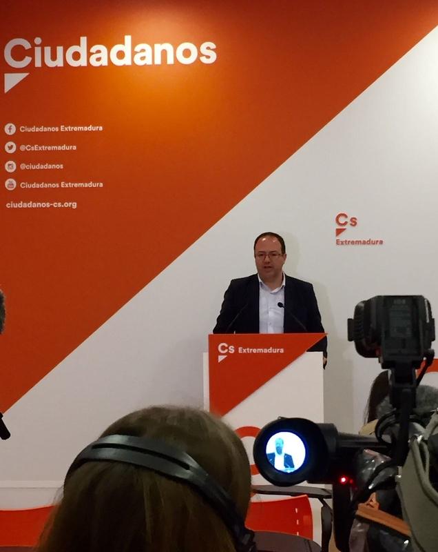 Cs Extremadura exige a Vara ''que ponga la consejería de Sanidad en orden''