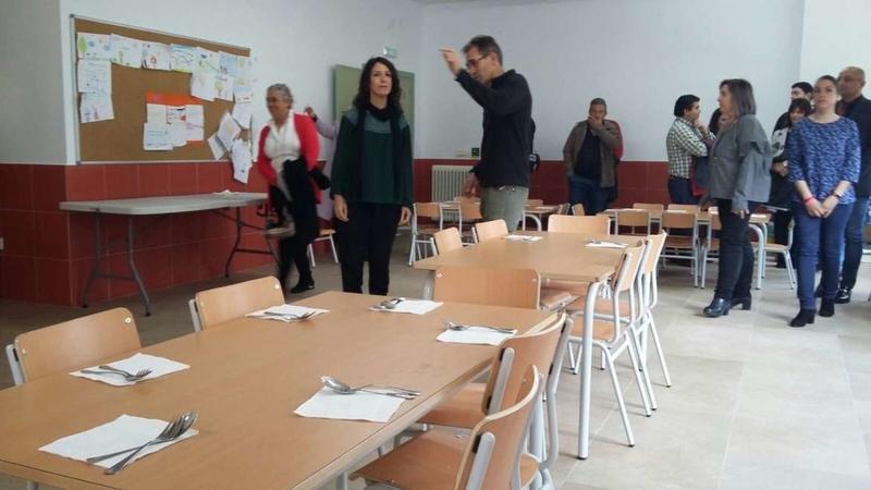 Esther Gutiérrez visita el nuevo comedor escolar de Jarandilla de la Vera
