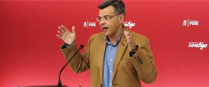 El PSOE considera que los partidos políticos de la oposición ''han tirado la toalla'' en Extremadura