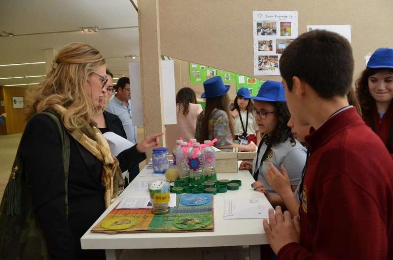 Más de 2.200 alumnos de Primaria participan en JuniorEmprende