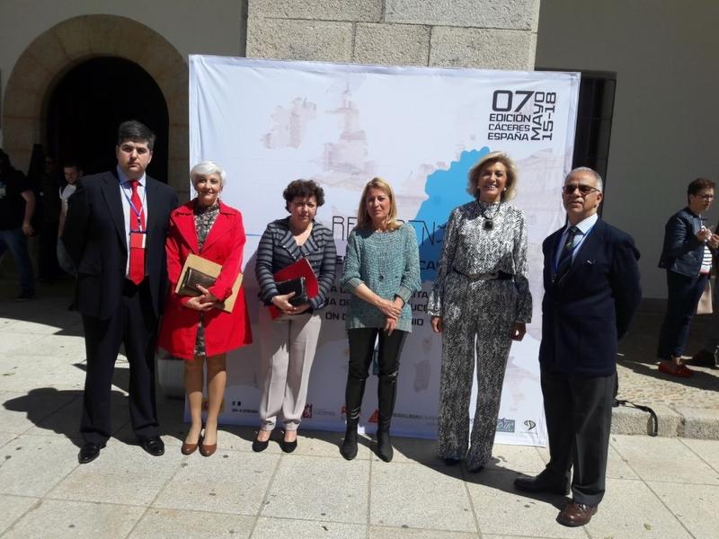 La delegada del Gobierno destaca la apuesta del Ejecutivo Central por la rehabilitación de edificios históricos y entornos urbanos en Extremadura