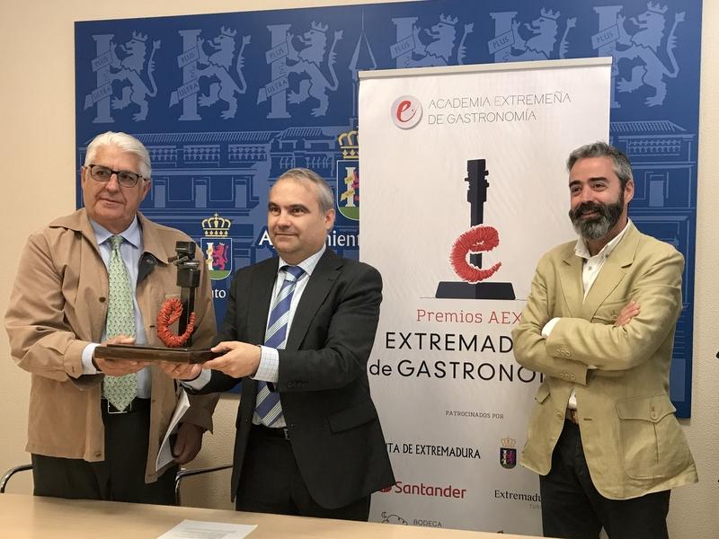 La Academia de Gastronomía de Extremadura premia la ''difusión'' y ''profesionalidad'' de la cocina regional
