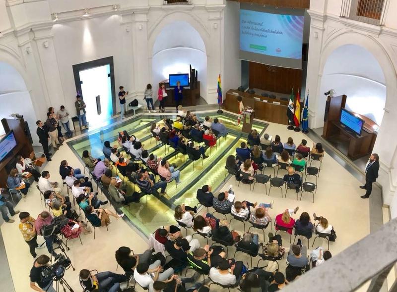 Extremadura, contra la homofobia, la transfobia y la bifobia