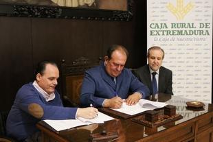 Caja Rural de Extremadura colabora con la Fundación Primera Fila