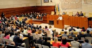 Blanca Martín celebra que sea ''normal una representación paritaria'' en la Asamblea de Extremadura
