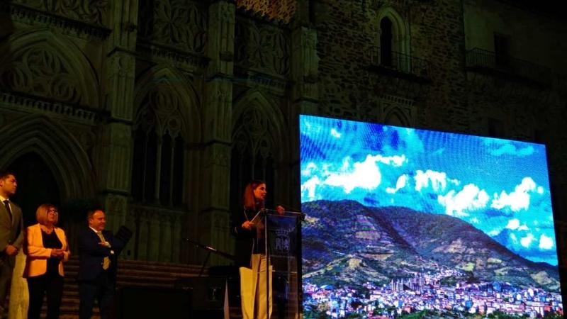Gil Rosiña aboga por el turismo como oportunidad de futuro para los jóvenes