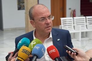 Monago: ''Vara ha echado una palada de desprestigio a la Universidad''
