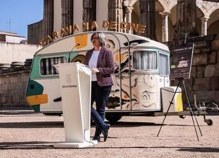 Leire Iglesias presenta la Caravana de Cine 2018, que recorrerá la región creando un catálogo de localizaciones para la industria cinematográfica