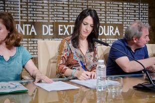 El nuevo decreto de interinos docentes dará respuesta a las nuevas demandas de la realidad extremeña