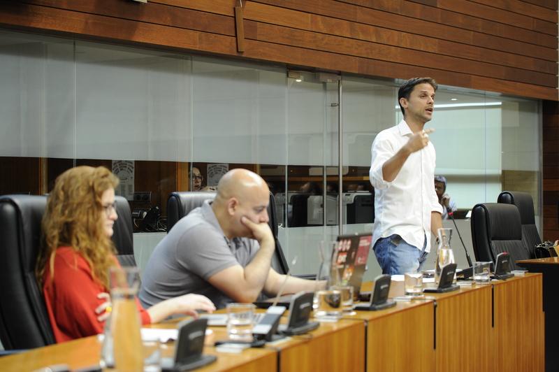 Álvaro Jaén: ''Nadie, salvo Mariano Rajoy, ha demostrado tener un talante tan antidemocrático como Vara''